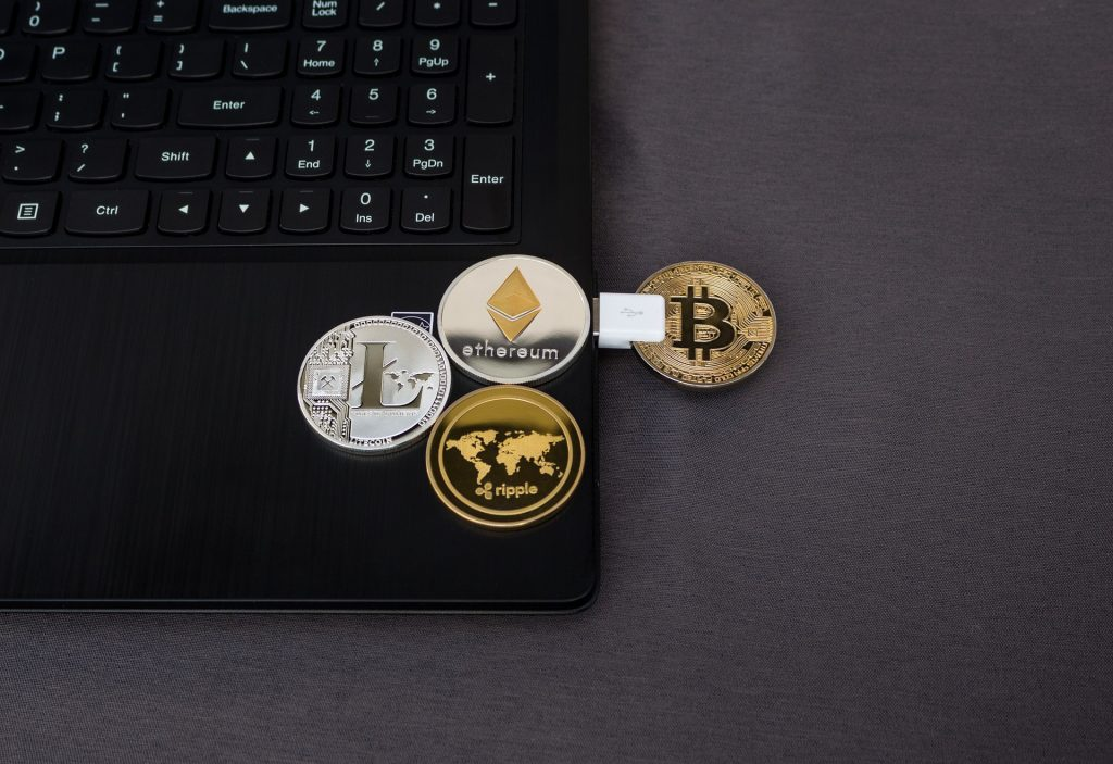 prekyba bitcoin apie robinhood bitcoin shop australijoje
